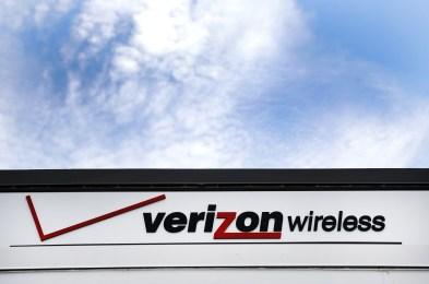 Verizon-Store Layoffs, North Andover, USA - 25 Jul 2016