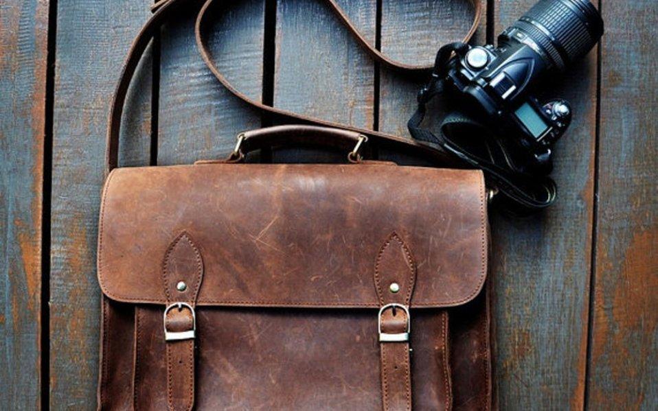 Leather vintage style messenger bag for