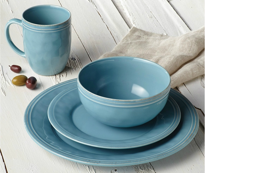 The Rachael Ray Dinnerware Collection is
