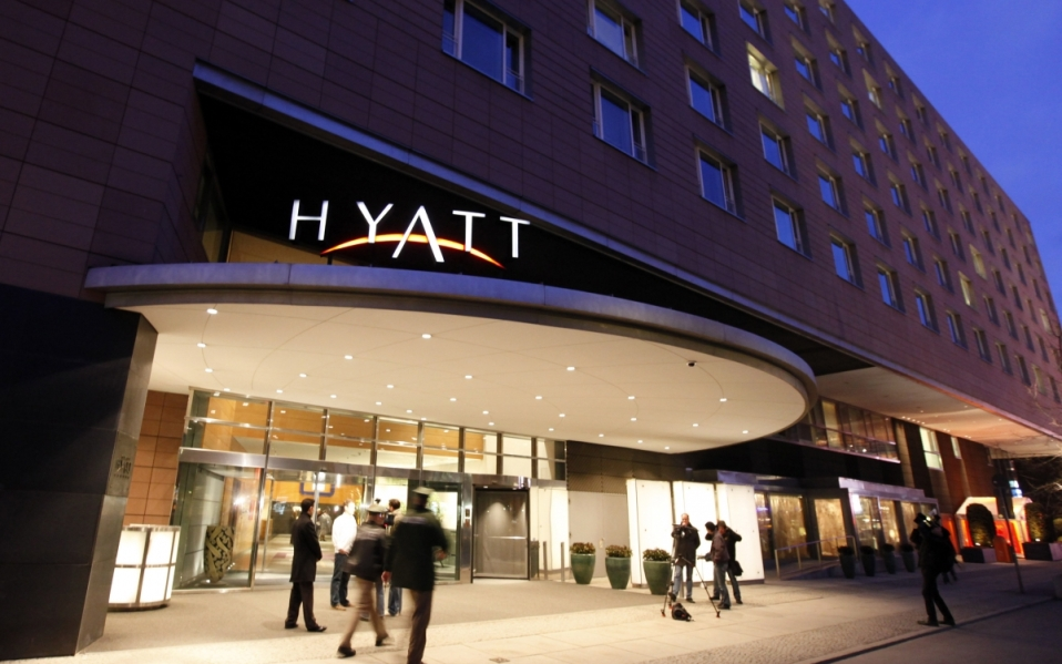 Watch Netflix and Hulu in Hyatt
