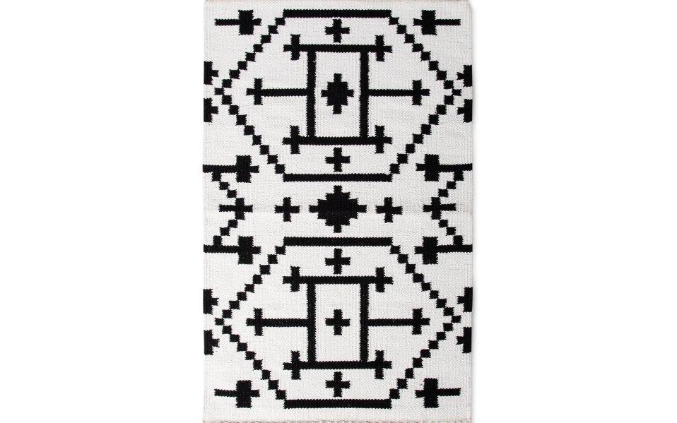 Target rugs Nate Berkus classic black