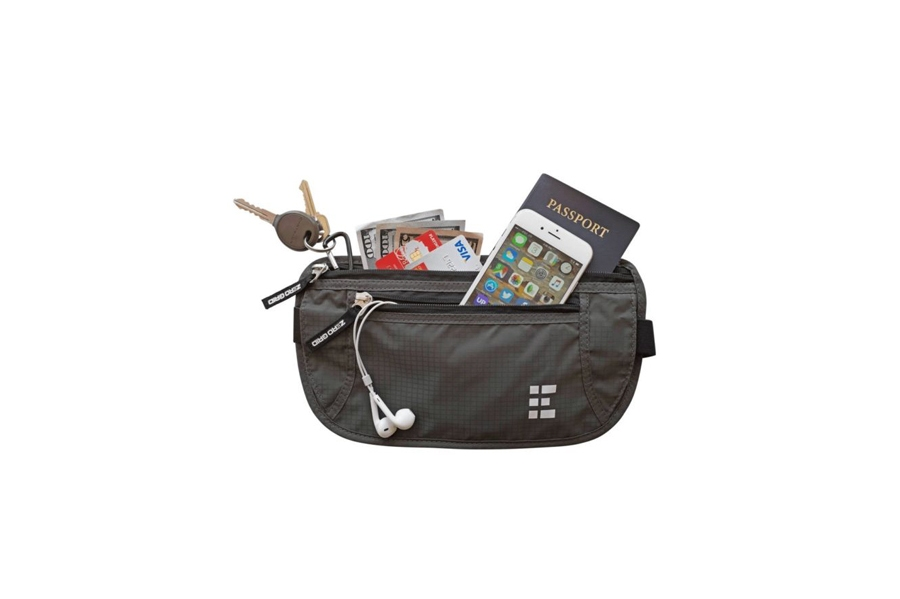 This Compact Money Belt Offers More