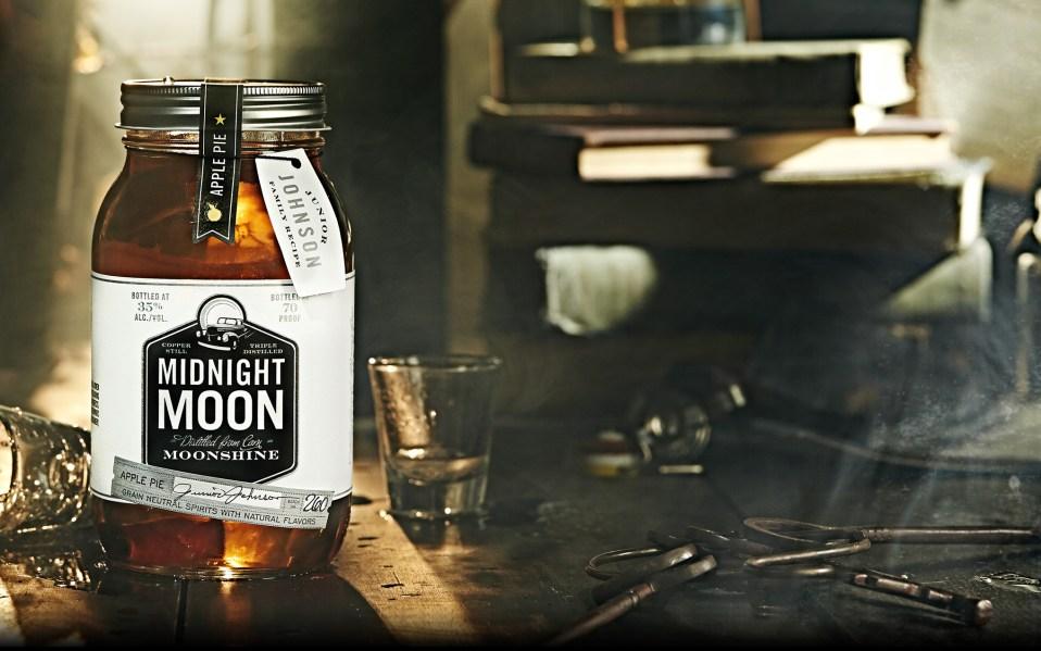 midnight moon moonshine apple pie