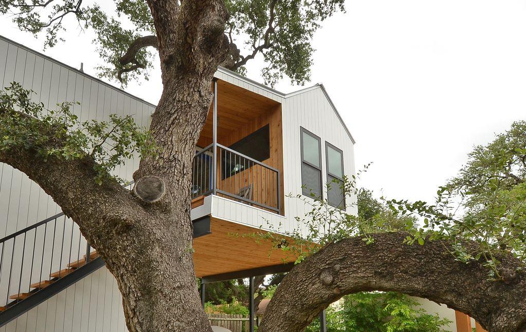 Texas VRBO Tree House