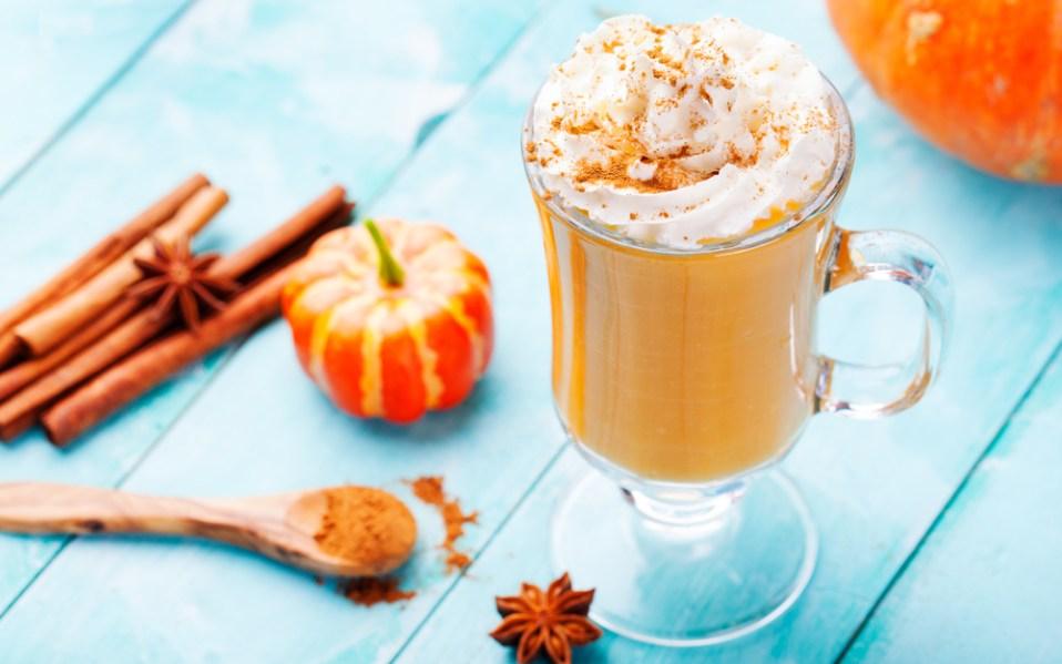 Halloween cocktails pumpkin spice