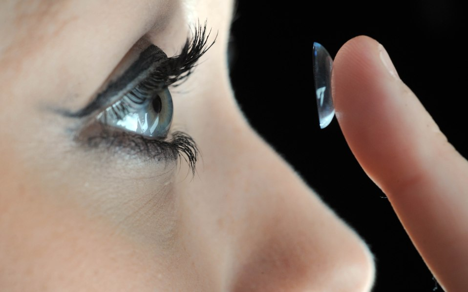 contact lens guide