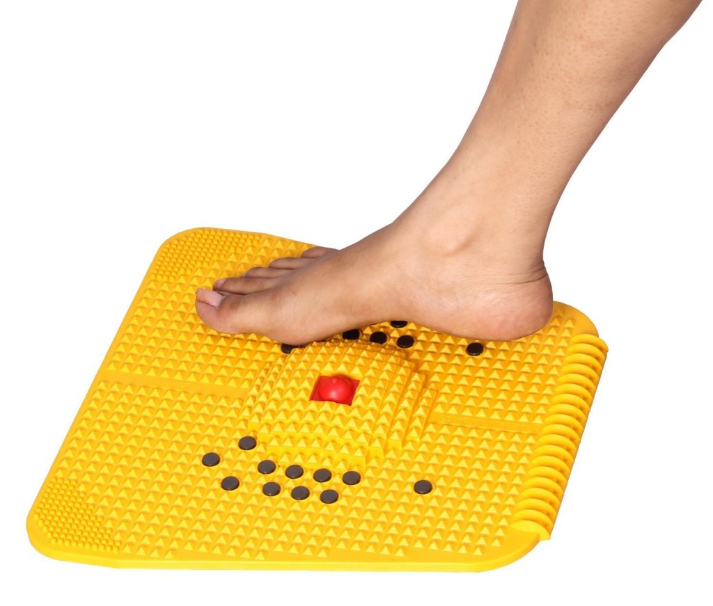 acupressure mat with magnets