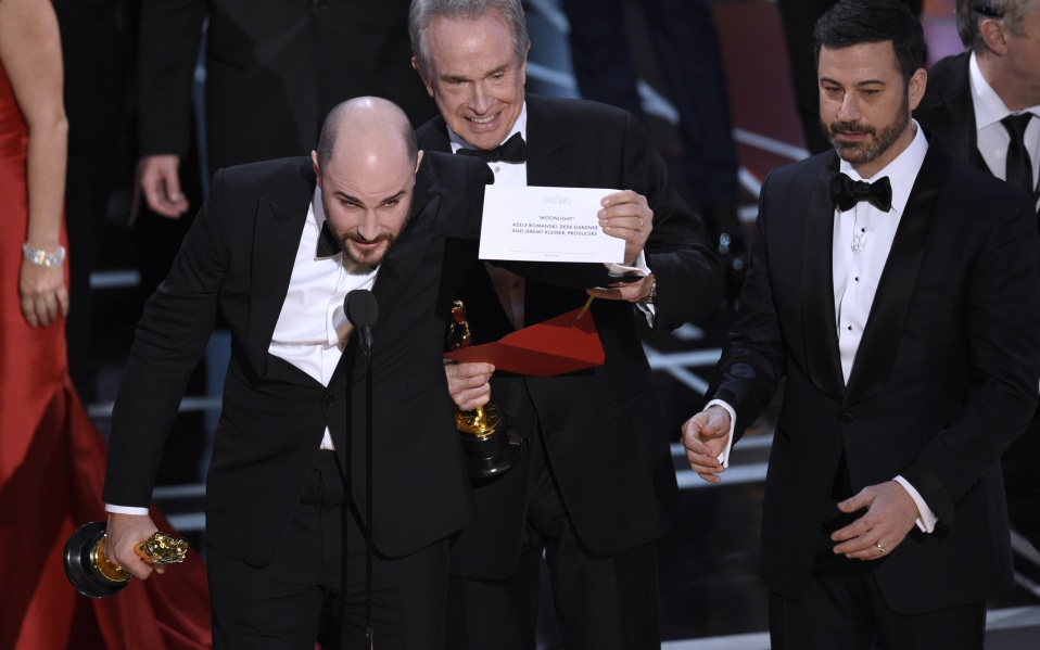 oscars wrong envelope photo