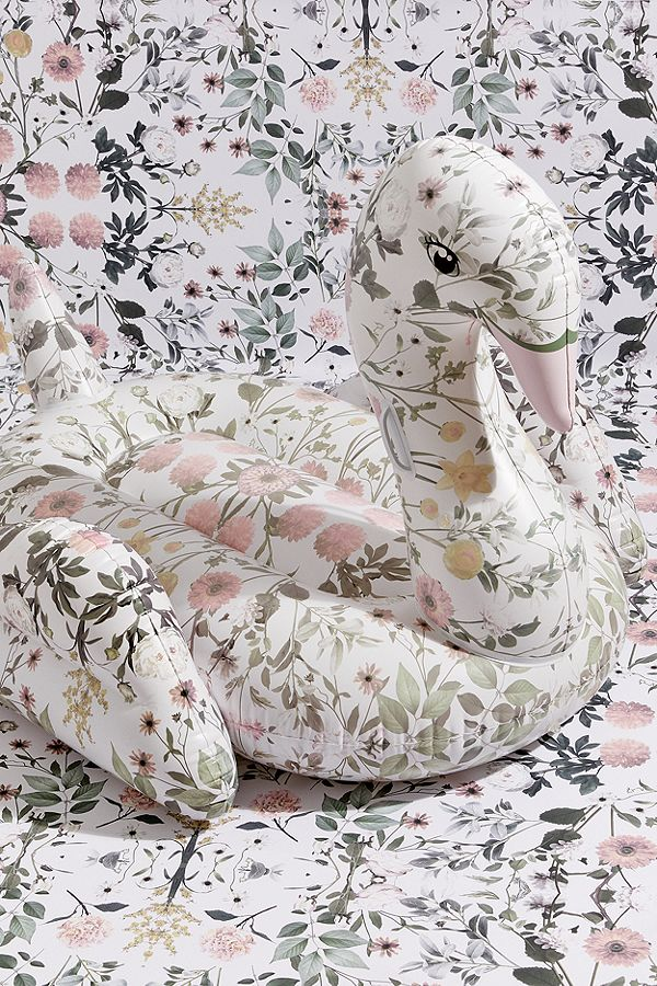 floral swan float