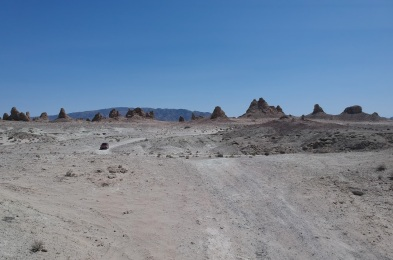 las vegas road trip trona pinnacles