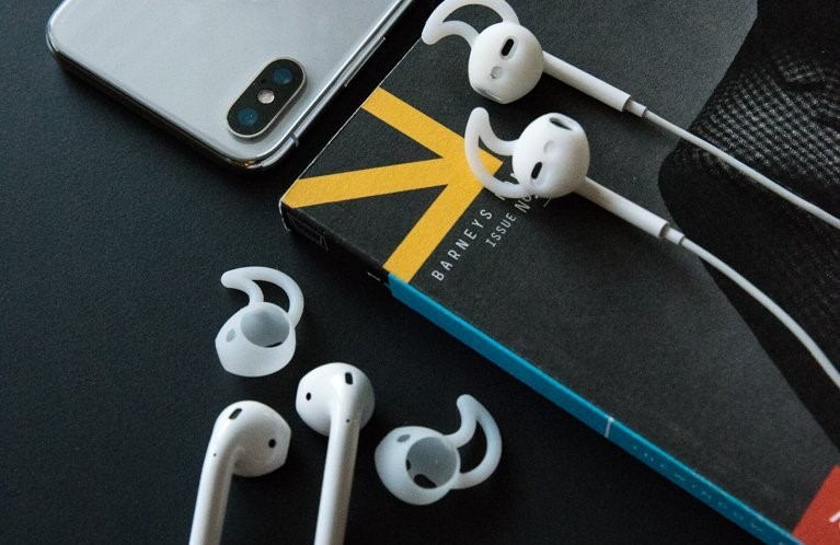 AirPod Accessory EarBuddyz
