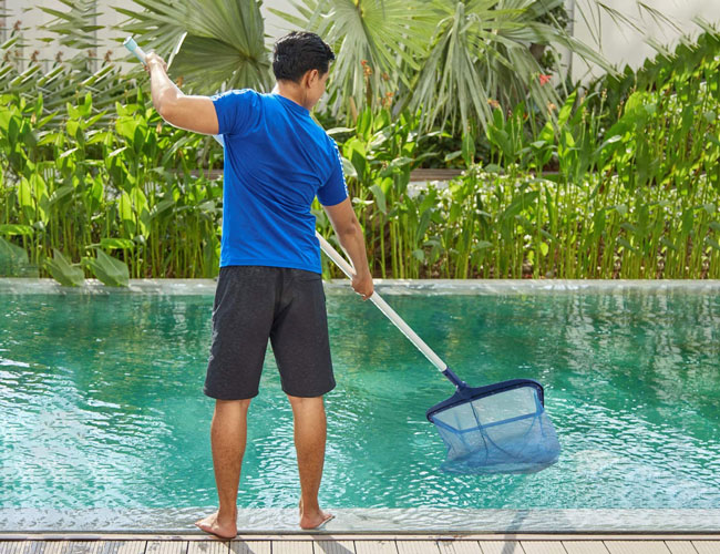 how to clean a pool