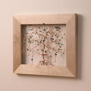 best gifts for artsy moms Personalized Family Tree Wire Sculpture