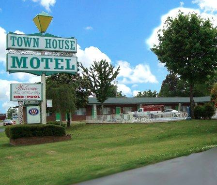 Town House Motel reviews