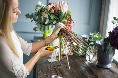 how to keep flowers fresh make plants last longer