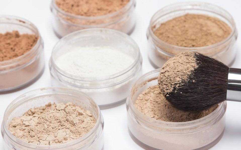 The Best Setting Powders for Avoiding