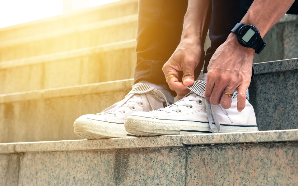 best white sneakers fall