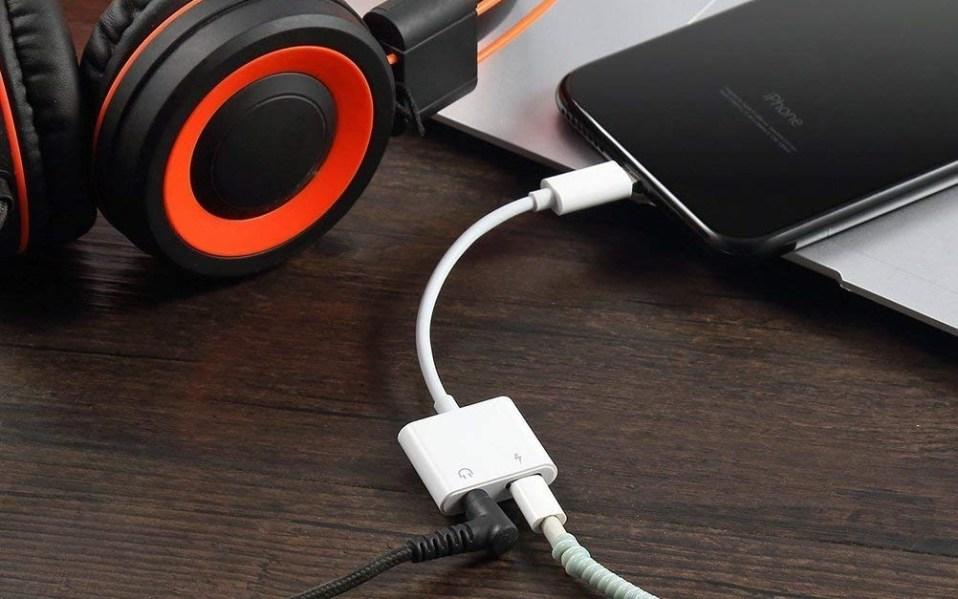 iPhone XS XR headphone adapter