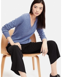 Uniqlo Women Cashmere V-Neck Sweater