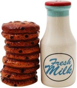 milk and cookies ceramic salt and pepper shakers