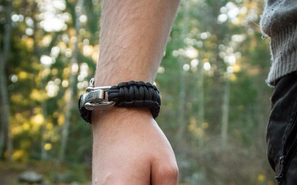 an entire survival kit on your wrist Survival Bracelet 5-in-1