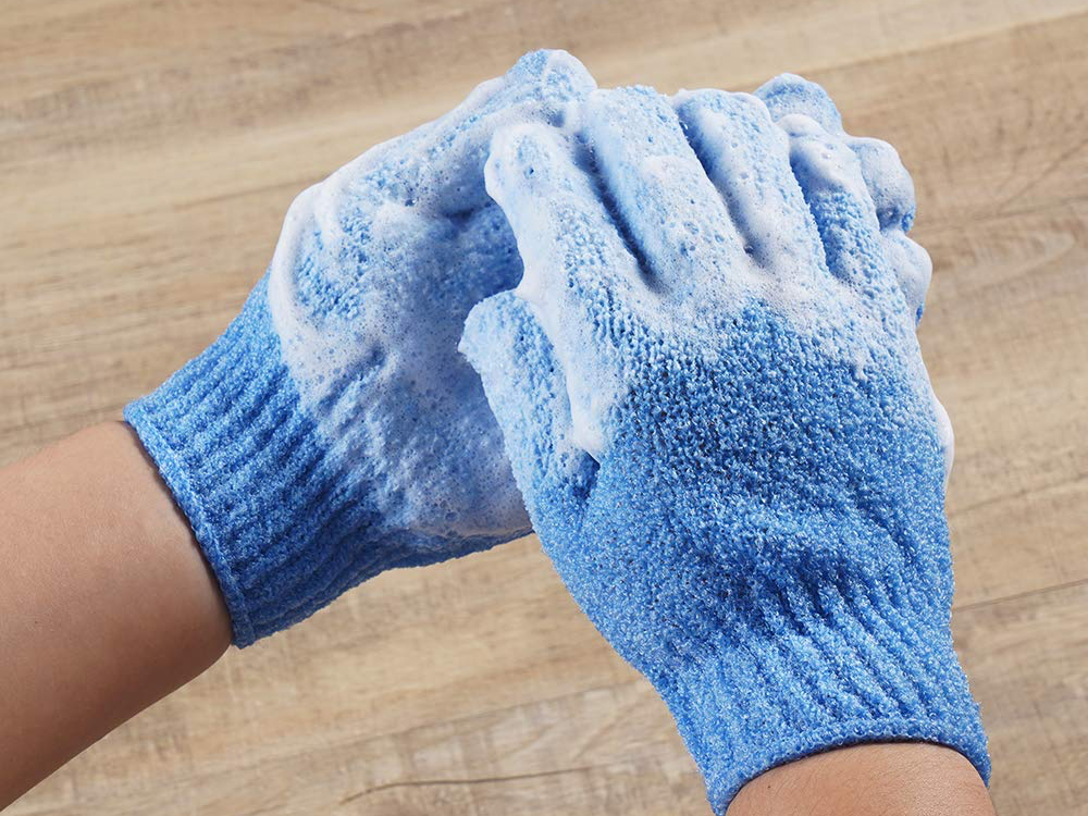 Exfoliating Gloves The 8 Best Scrubbing Mitts For 2020 Spy