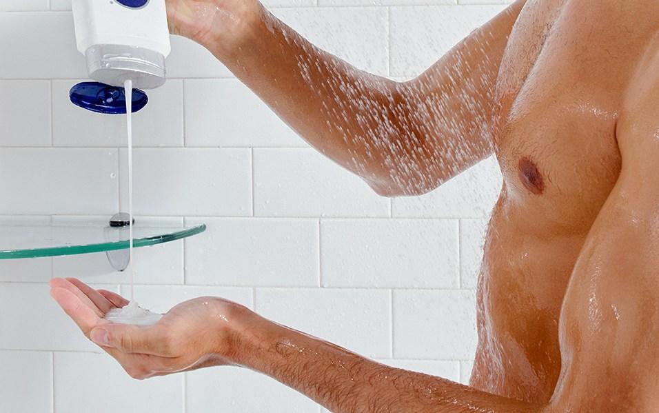 Man squeezes Nivea Men Sensitive Body