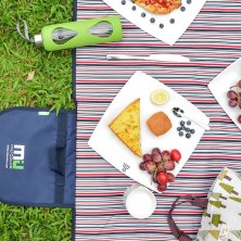 best outdoor picnic blankets for meandering meals