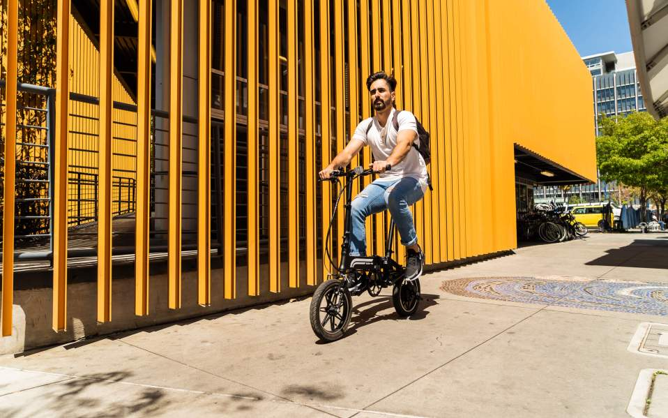 Swagtron electric foldable bike