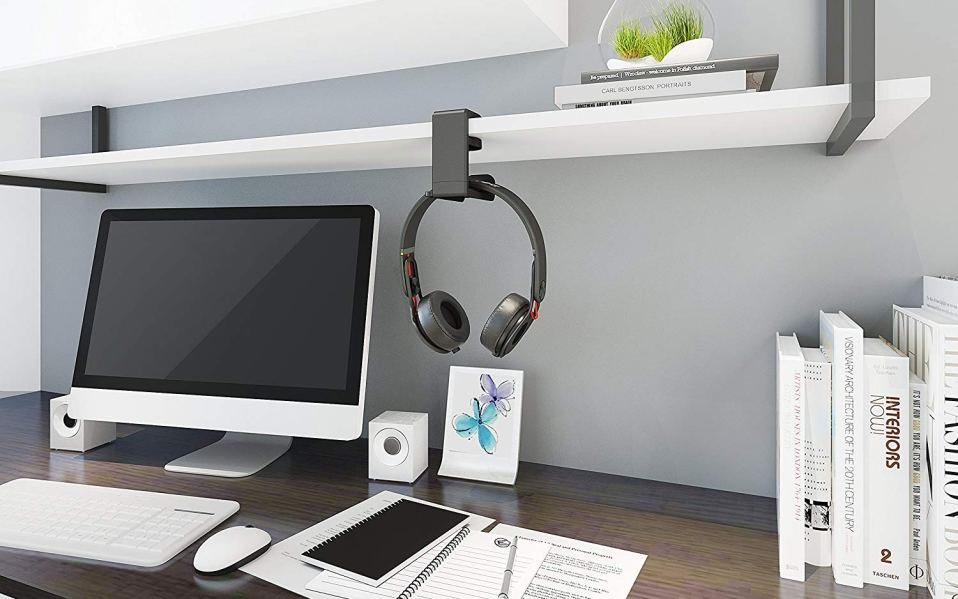 Gaming headset headphone mount featured