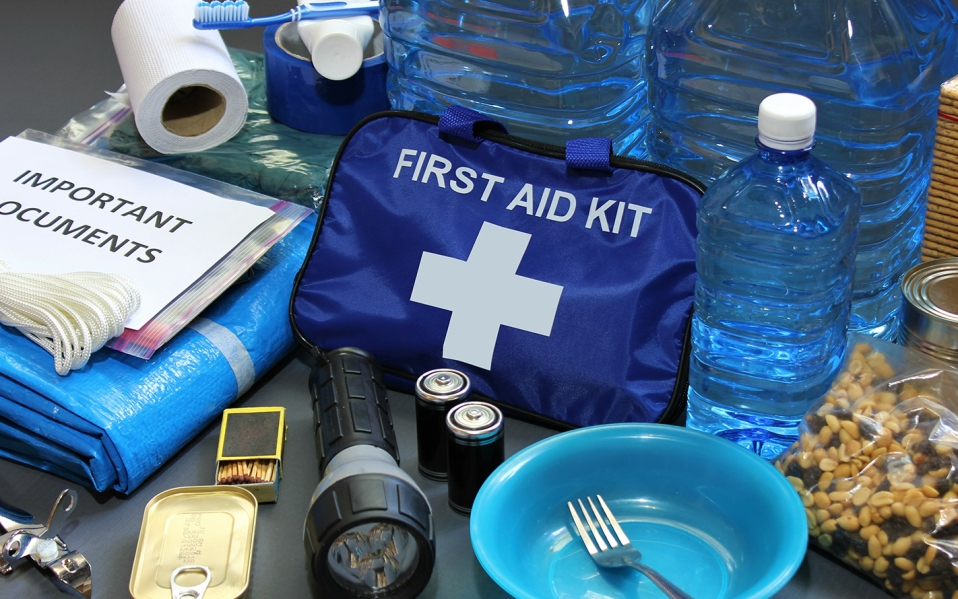 hurricane emergency kit essentials