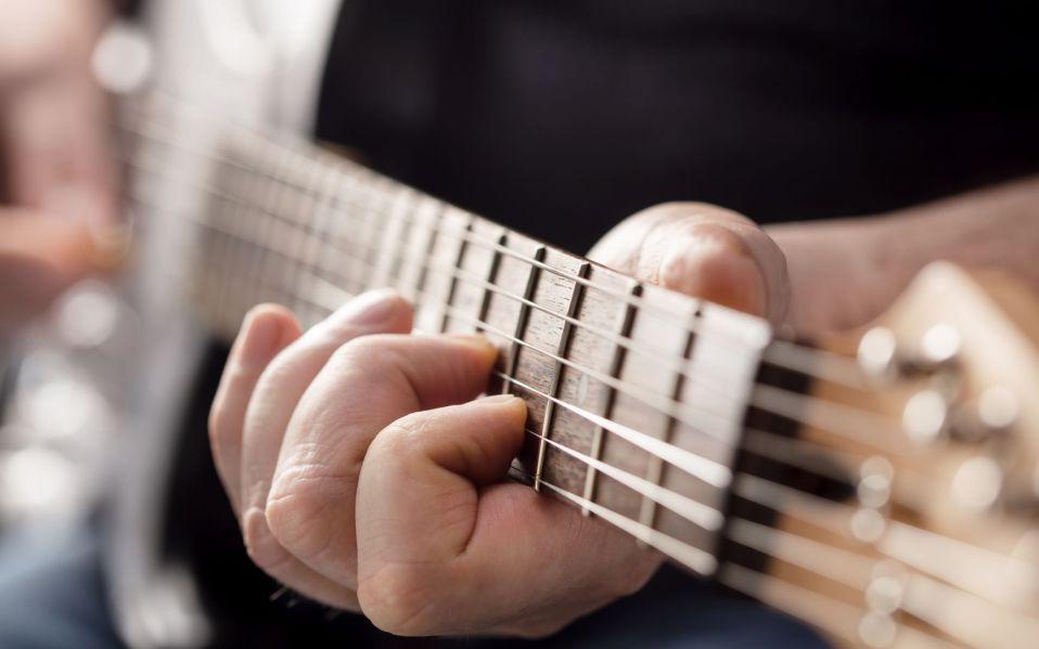 best electric guitars reviews buy online
