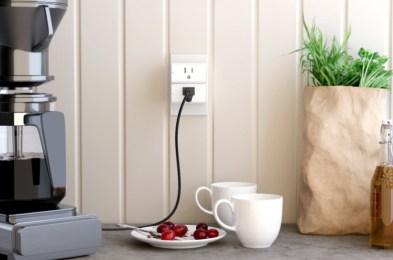 VOCOlinc-Smart-Plug-BGR