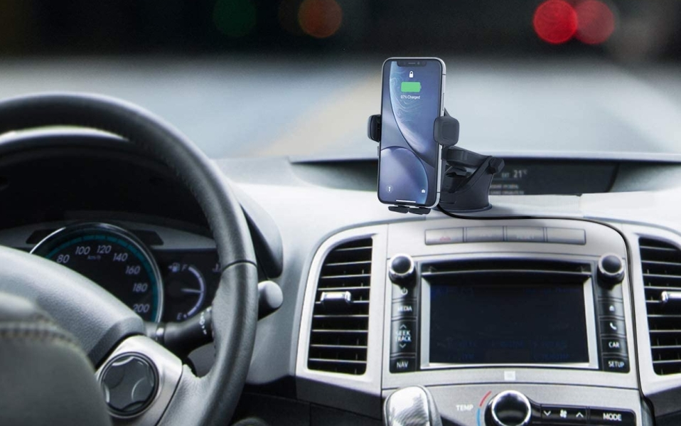 An iOttie Wireless Car Charger Phone