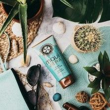 Maui-Vera-Organic-Sunburn-Relief-After-Sun-Moisturizer-lifestyle