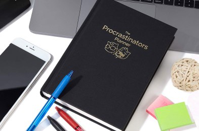 here's why every college kid should have a physical student planner