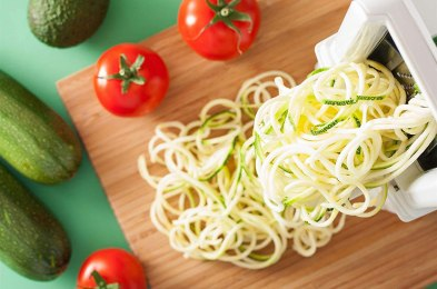 before your next diet you need to grab one of these zucchini noodle makers