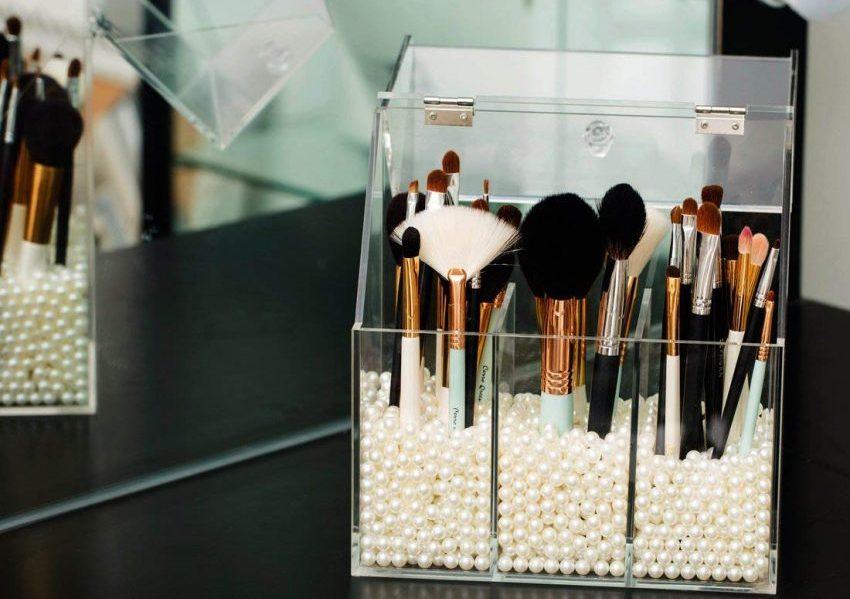 makeup brush organizer