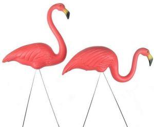hostess gift ideas lawn decor flamingos