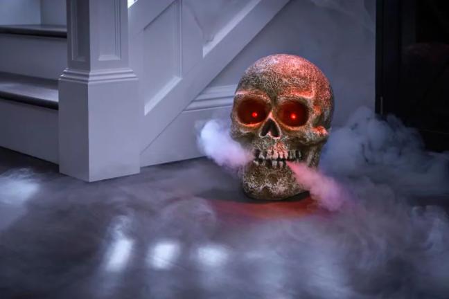 Screaming Halloween Fog Skull