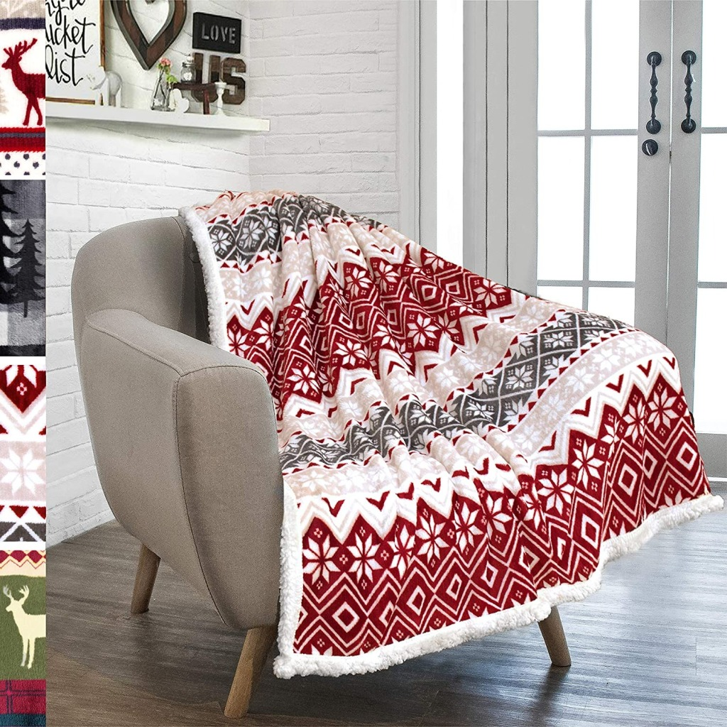 PAVILIA Premium Christmas Sherpa Throw Blanket