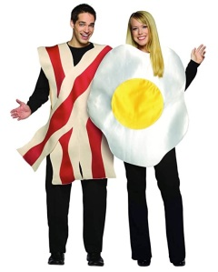 bacon and eggs couples halloween costume, best couples costume
