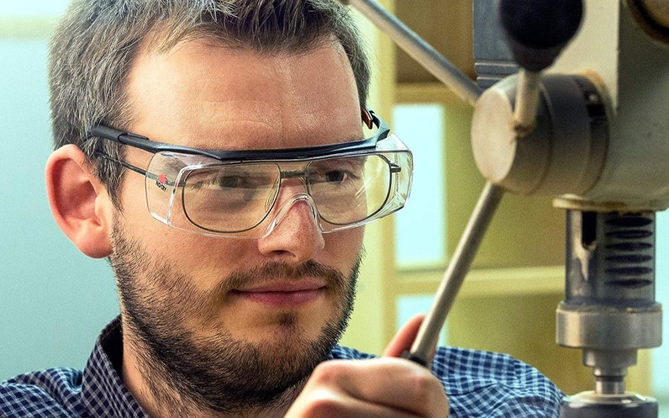safety glasses featured image