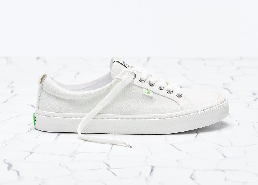 cariuma eco-friendly sneaker
