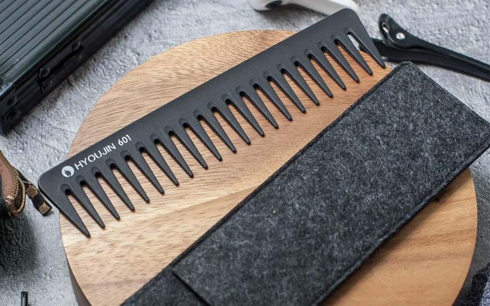 comb for men featured image