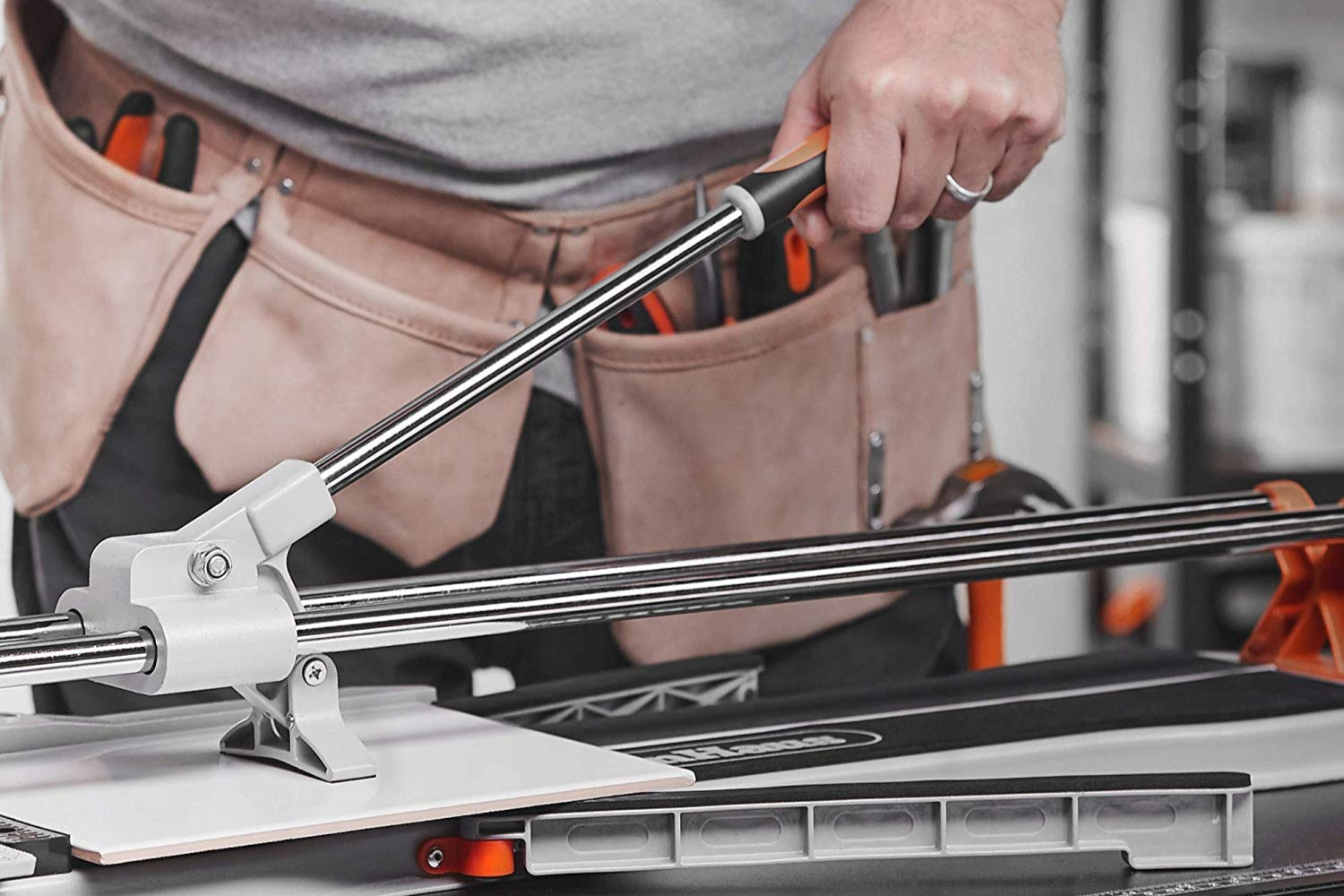 The Best Manual Tile Cutters And Wet Saws For Your DIY Renovation