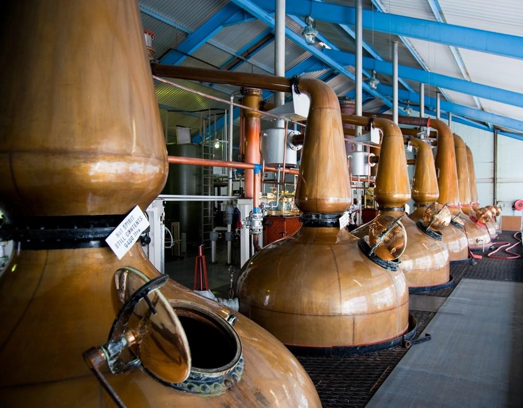 irish whiskey distiller