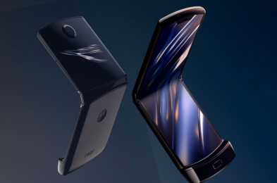 motorola razr folding phone