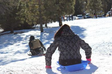 plastic-snow-sled-featured-image