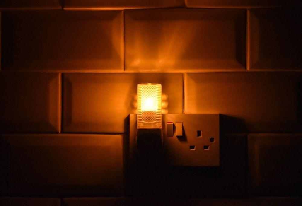 Dencon GlowLight Enfants Chambre à coucher ou couloir lumière nuit Plug In Nightlight